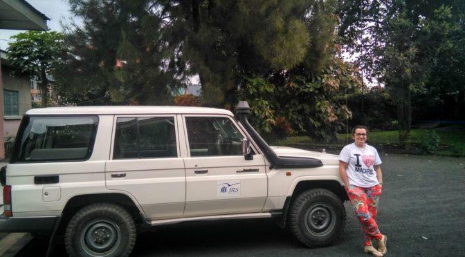 ¡Za asubuhi! María Olivera nos saluda desde R. D. Congo donde realiza unas practicas en el JRS Grandes Lagos