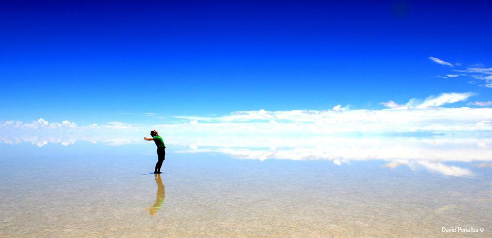 Foto de un chico en una playa Fotógrafo: David Peñalba