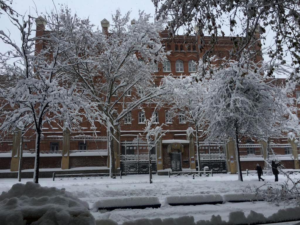 Universidad Pontifica Comillas fachada Alberto Aguilera 23 nevada en temporal Filomena