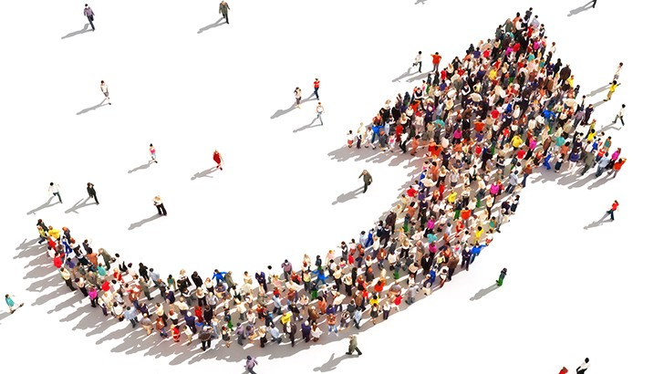 grupode personas que hacen la forma de forma creciendo como professional growing